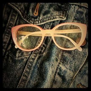 Caroline Abram glasses